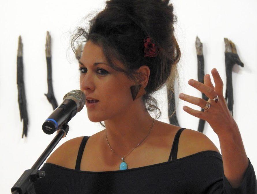 Ada Mondès, Comme un pont sur l'exil